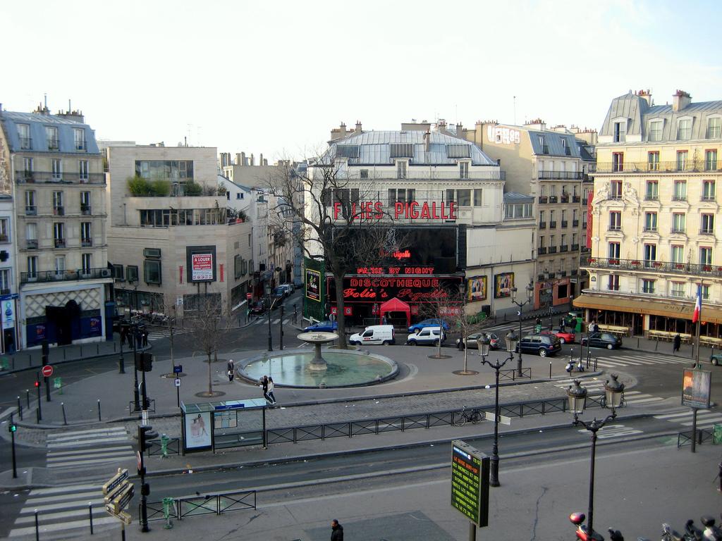 париж фото проститутка пигаль