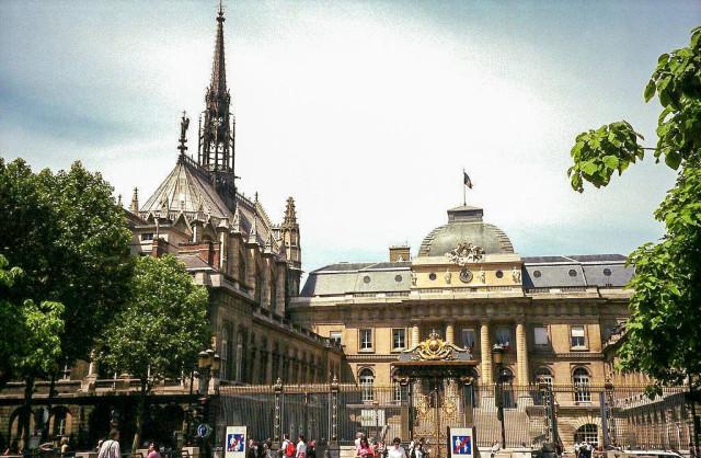 Святая капелла (Sainte Chapelle)