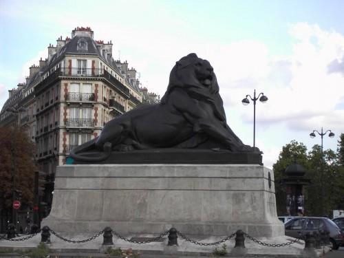 Площадь Данфер-Рошро (Place Denfert-Rochereau)