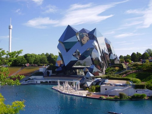 Парк виртуальных развлечений Футуроскоп (Le Parc du Futuroscope)