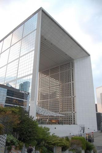 Арка Дефанс ( La Grande Arche de la Défense)