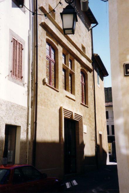 Восстановленный после землетрясения 1909 года, Дом-музей Нострадамуса в Салон-де-Прованс.