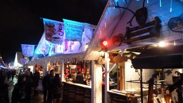 Рождественский рынок на Елисейских Полях