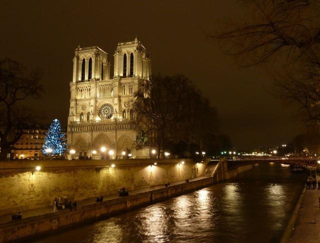 Собор Парижской Богоматери.