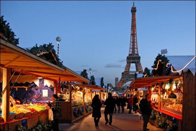 Рождественский рынок Трокадеро