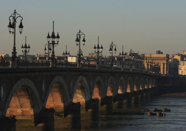 Каменный мост (Pont de pierre)