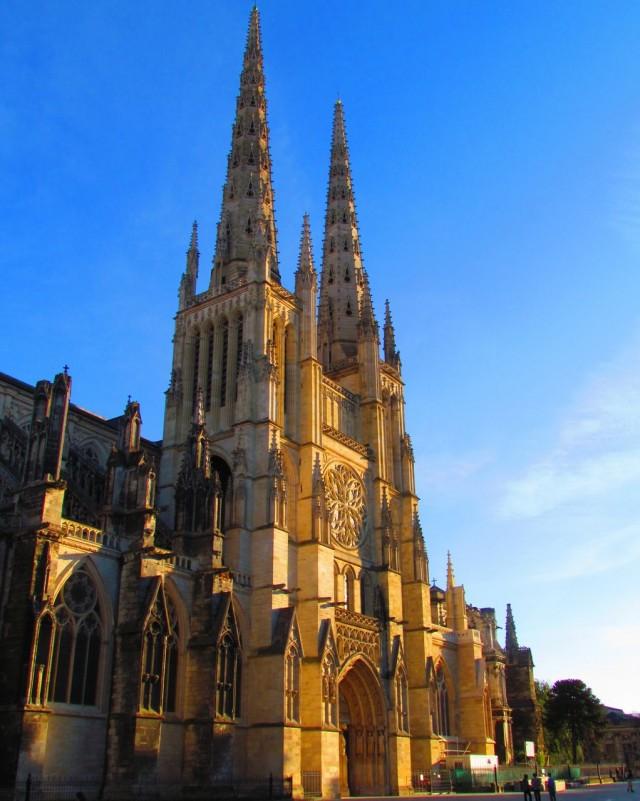Собор Святого Андрея (Cathédrale Saint-André)
