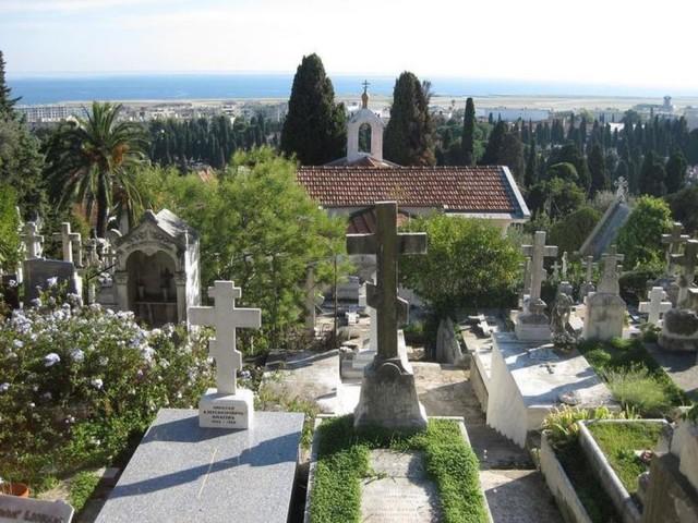 Кладбище Кокад