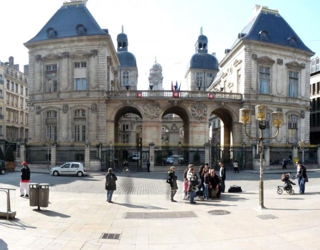 Городская ратуша (Hôtel de Ville)