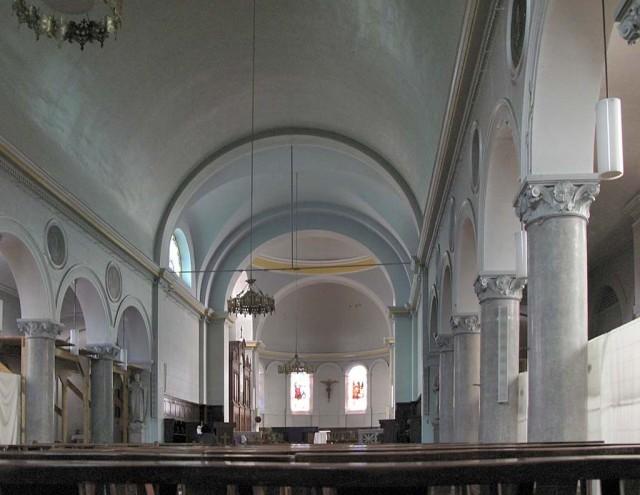 Интерьер церкви святого Иринея (Église Saint-Irénée)