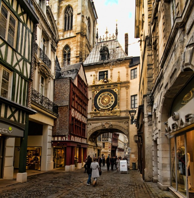 Улица Часовой башни (rue du Gros-Horloge)