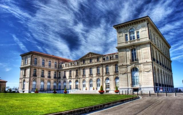 Дворец Фаро (Palais du Pharo)