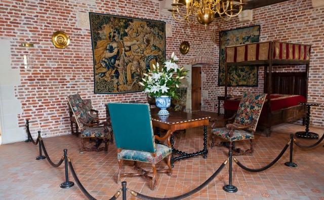 Интерьер замка Кло-Люсе (фото Codrut Eftimiu)