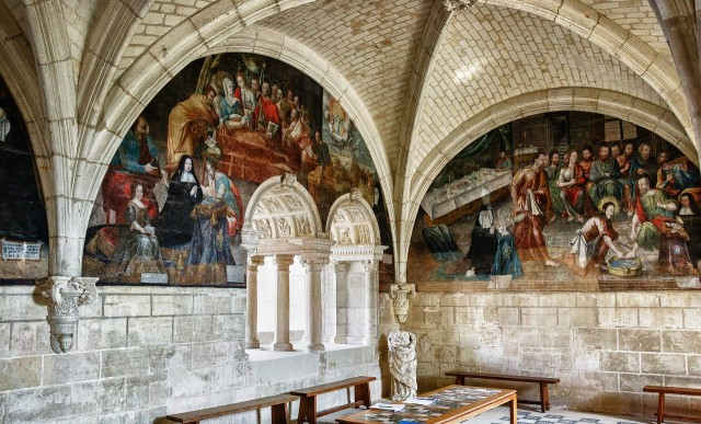 Аббатство Фонтевро (Abbaye de Fontevraud)