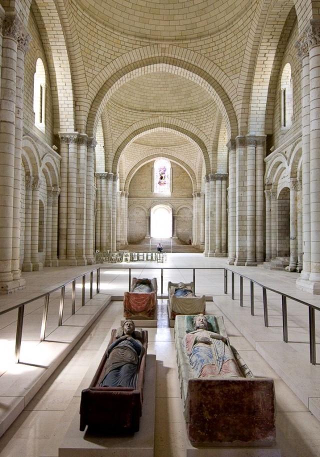 Монастырский собор Богоматери
