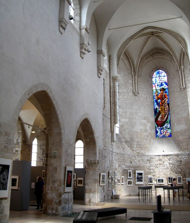 Коллегиальная церковь святого Петра (Collegiale Saint Pierre le Peulier)