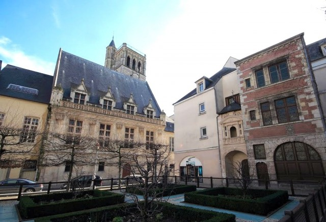 Старая ратуша Орлеана (Hôtel des Créneaux)