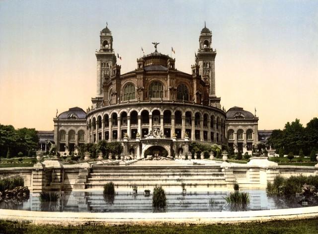 Дворец Трокадеро  и фонтан во время Всемирной выставки 1900 года, вид из сада