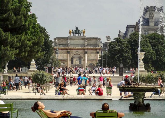 Летом на площади Каррузель