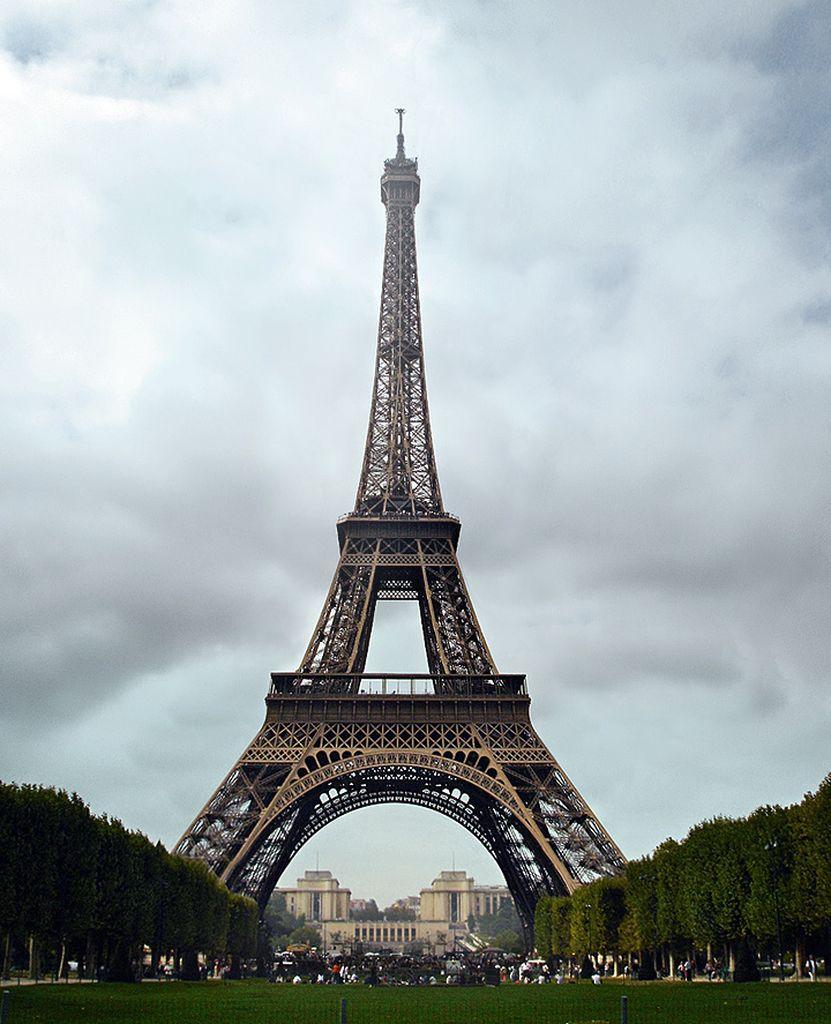 Эйфелева башня (la tour Eiffel)