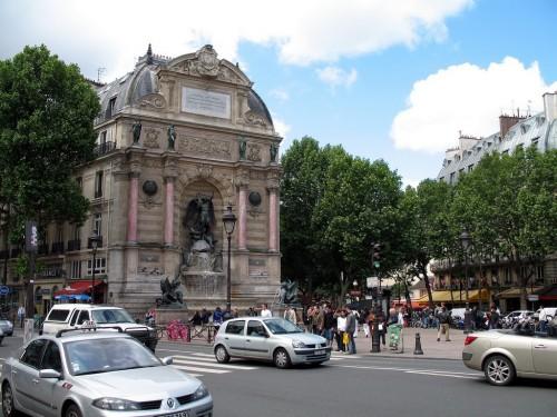 Площадь Сен-Мишель (Place Saint-Michel)