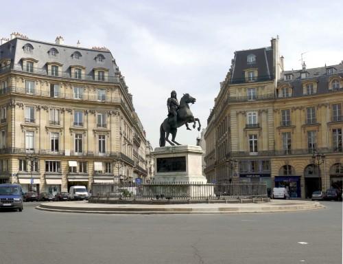 Площадь Побед (Place des Victoires)