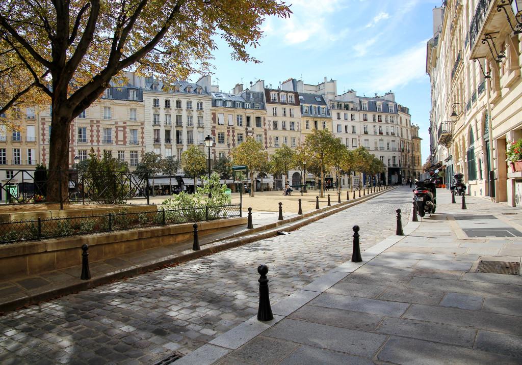 Вид на площадь Дофина