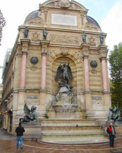 Фонтан Сен-Мишель (Fontaine Saint-Michel)