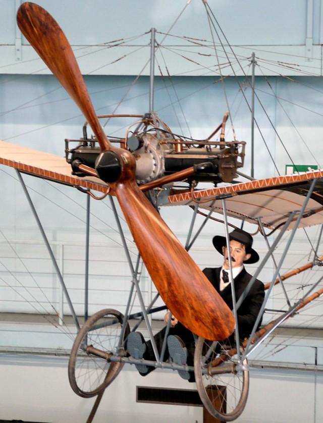 Музей авиации и космонавтики (Musée de l'Air et de l'Espace (MAE))