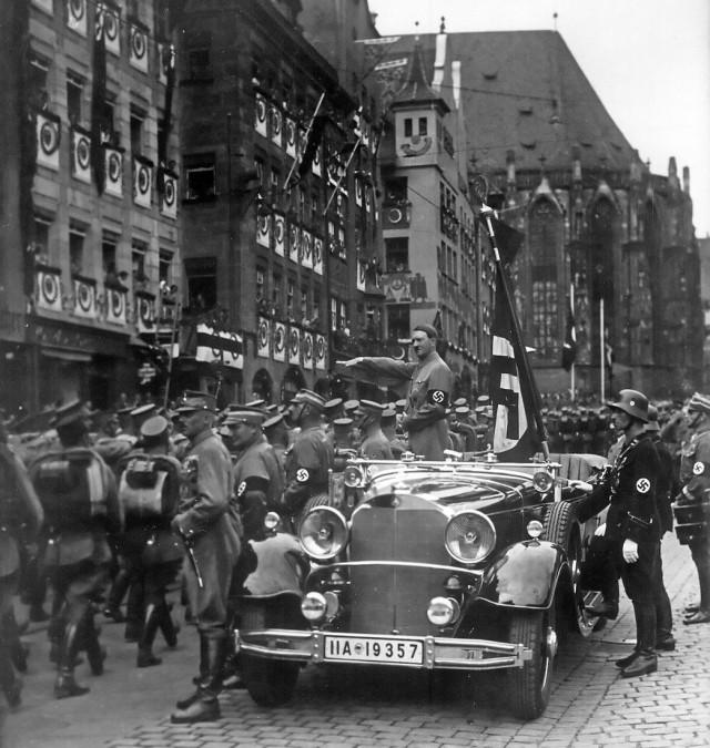 Нострадамус точно предсказал появление Гитлера