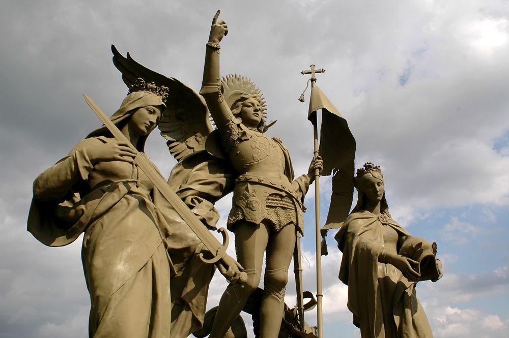 Памятник Жанне д'Арк в Domremy-la-Pucelle