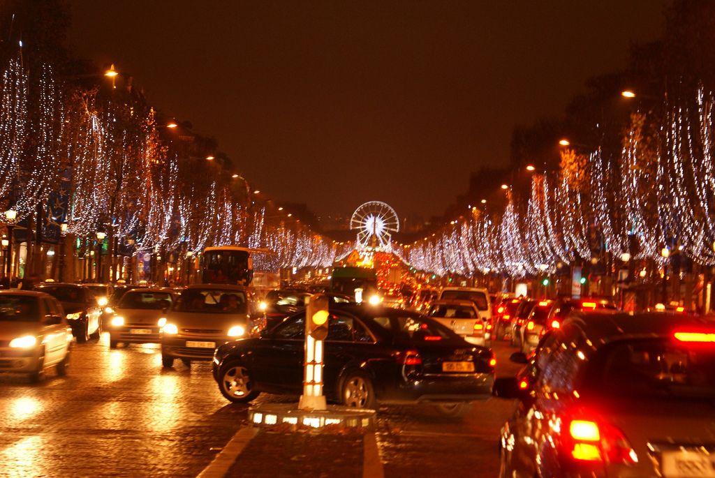 Новый Год в Париже. Рождественские рынки встречают гостей!