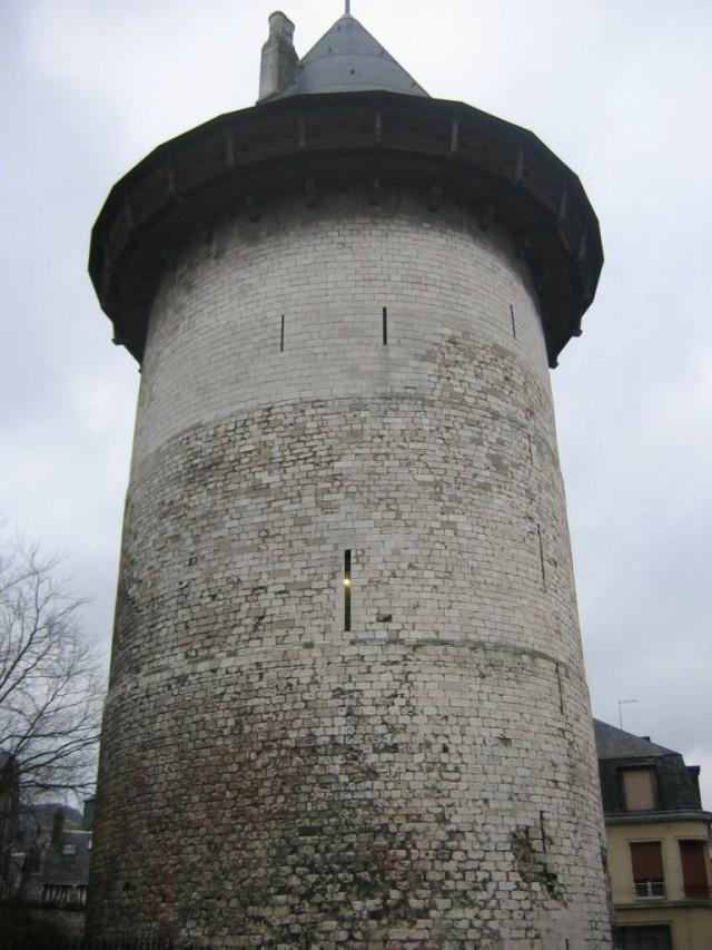 Башня в Руане, где была заточена Жанна д'Арк.