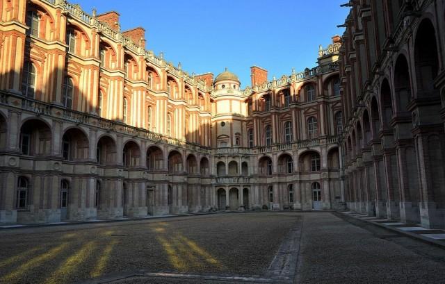 Королевский дворец-замок в Сен-Жермен-ан-Ле