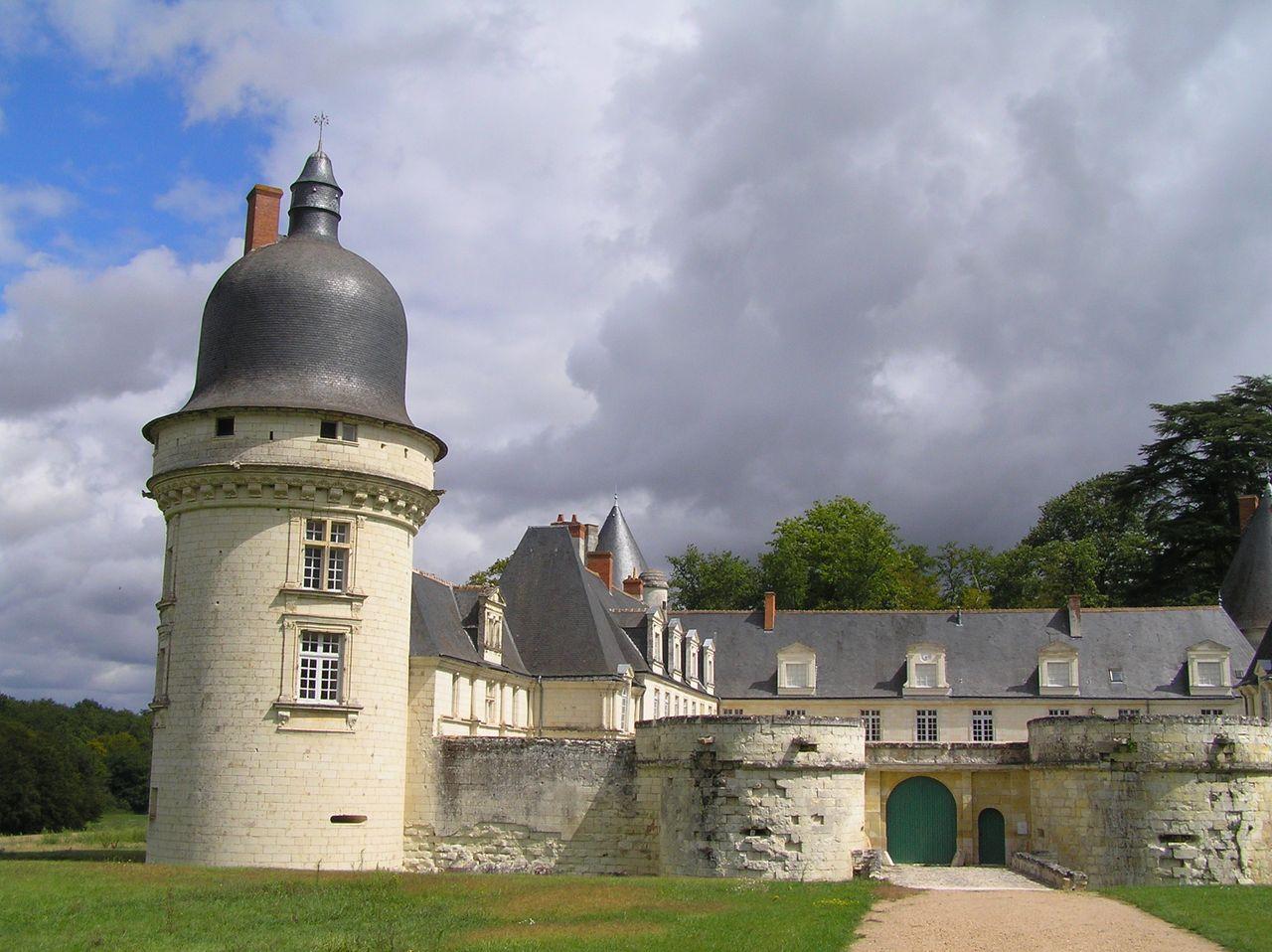 Ге-Пеан – уединённый охотничий замок в Монту-сюр-Шер