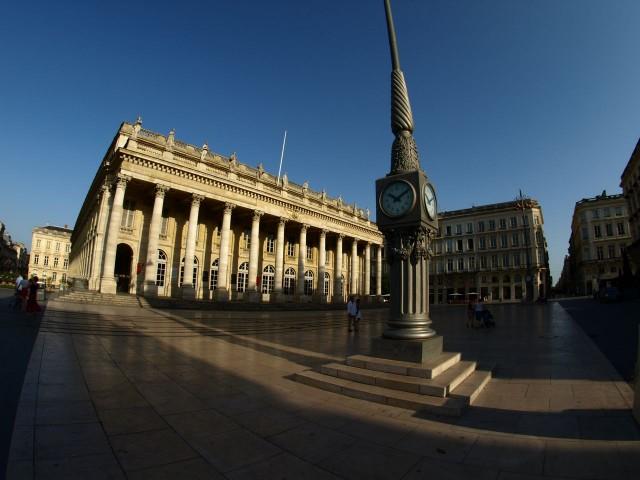 Здание Гран Театра на площади Комедии