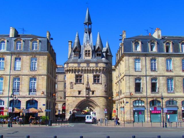 Ворота Кайо или Дворцовые ворота (porte Cailhau ou porte du Palais)