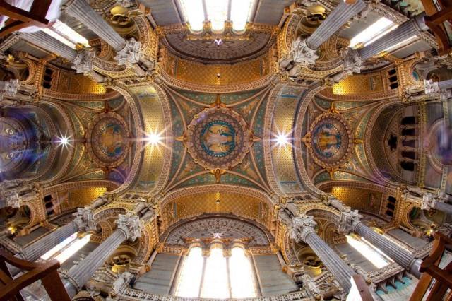 Собор Иоанна Крестителя (Cathédrale Saint Jean-Baptiste)