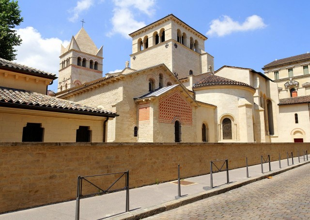 Базилика Святого Мартина (Basilique Saint-Martin d'Ainay)