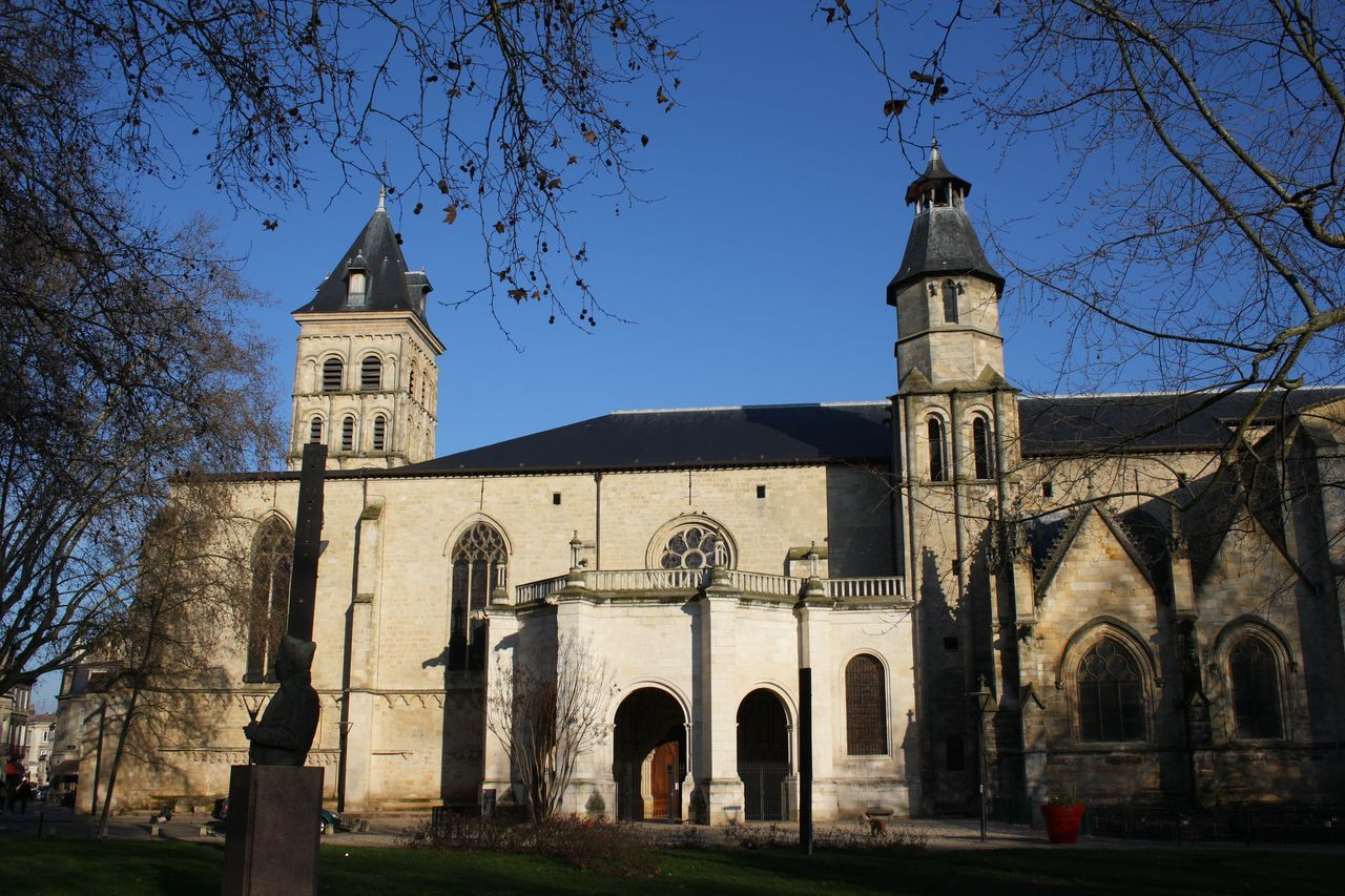 Базилика святого Серина – храм на пути в Сантьяго де Компостелла