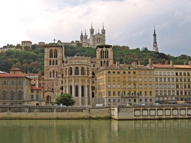 Кафедральный собор Сен-Жан (cathédrale Saint-Jean)
