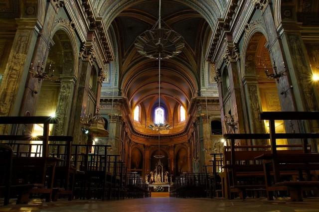 Интерьер Базилики  Дорад  (Вasilique Notre-Dame la Daurade)