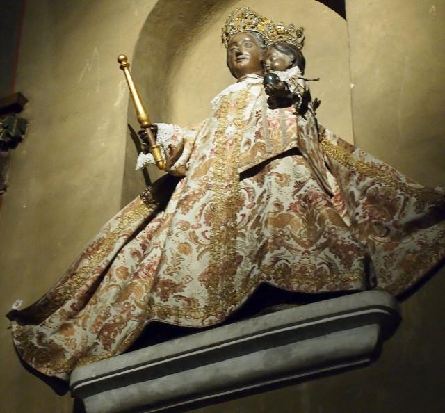 Cтатуя Богоматери
