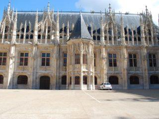 Дворец правосудия – шедевр светской готической архитектуры Руана
