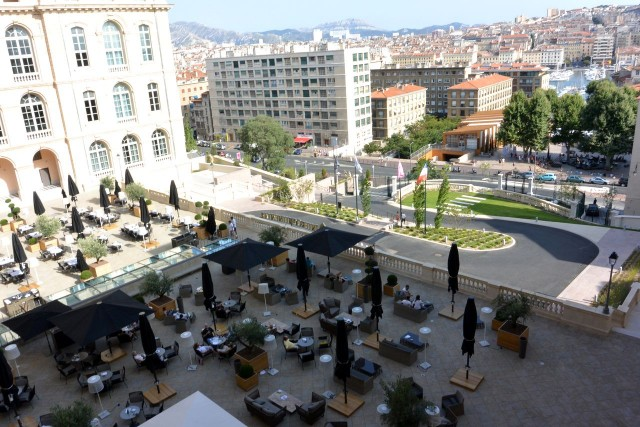 Отель InterContinental - бывшая Центральная Больница (Intercontinental Marseille - Hôtel-Dieu)