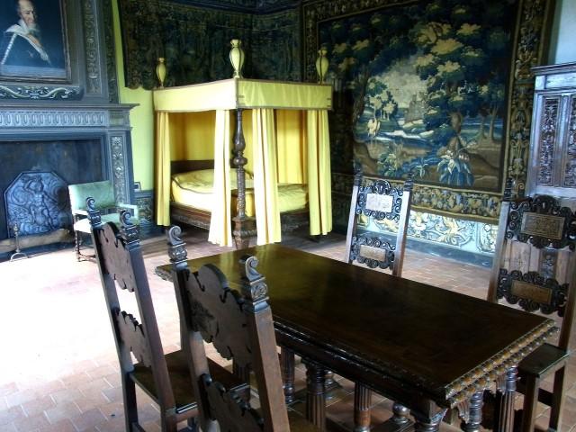 Интерьер замка Басти д'Юрфе