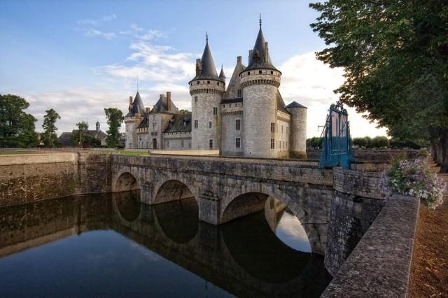 Замок Сюлли-сюр-Луар (Château de Sully-sur-Loire)