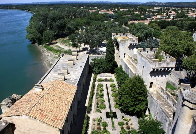 Замок Тараскон (Château de Tarascon), фото Dominique PIPET
