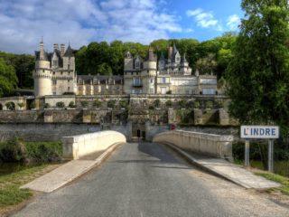 Замок Юссе – сказочный дворец Спящей красавицы