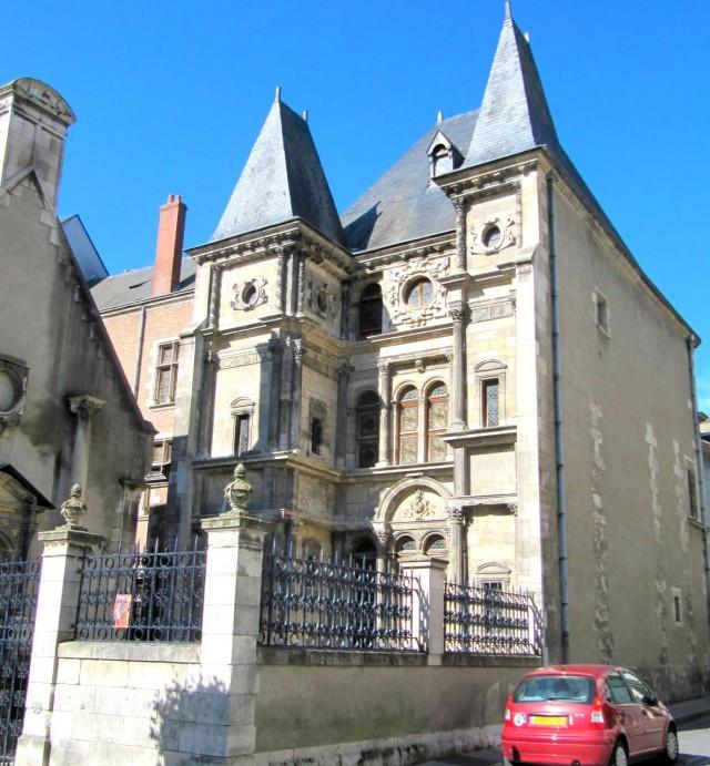 Историко-археологический музей (Musée historique et archéologique)